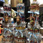 6/8 マンガ倉庫佐賀店は地域イベントへの協賛を行っております(`・ω・´)ゞ大会景品としてうまい棒タワーを提供させて頂いてます!